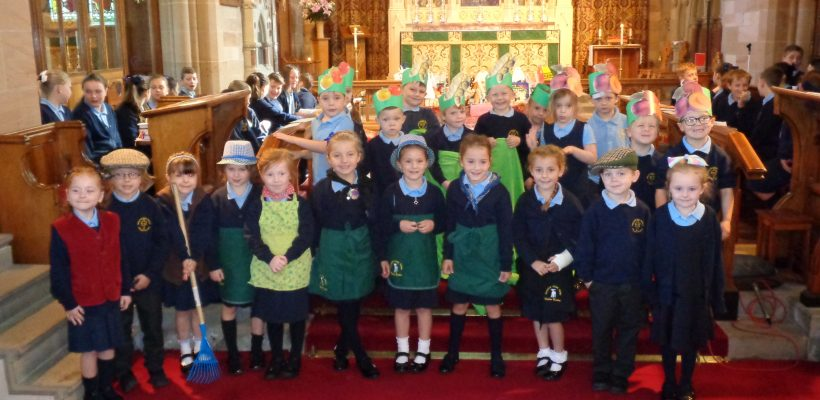 Year 1 Perform their Paintbox Poem during THT's Harvest Service – 15th September 2017