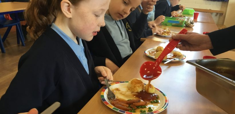 Year 3 and 4 Enjoy their Easter Lunch – 24th March 2021