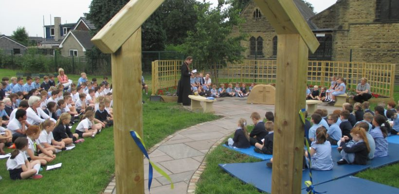 Father David opens our Reflection Garden – 21st June 2017