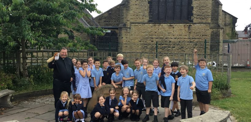 Fr Mark and Nutty visited the Year 3 class.