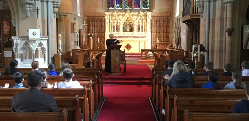 Fr Mark leads Year 6 in Worship back in Church – 12th May 2021
