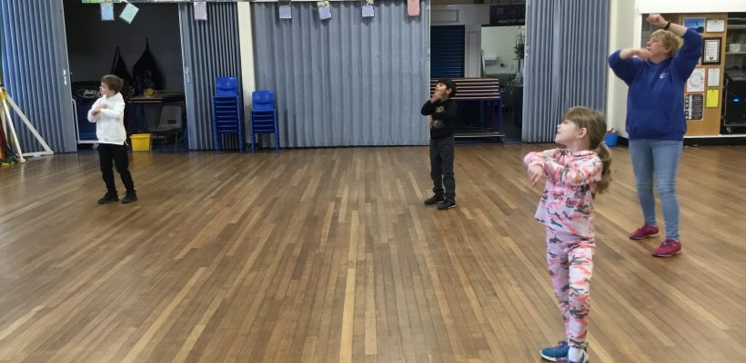 Portia from WLSP teach our Year 2 Bubble a new dance routine – 29th January 2021